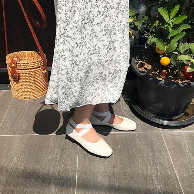 Shoes:フラットでリラックス感をON