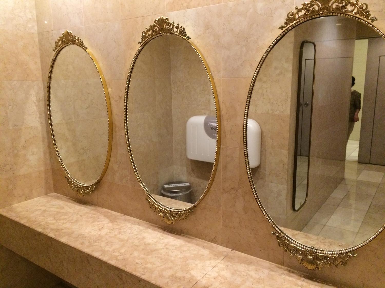 全身鏡でクルッと一周@お手洗い