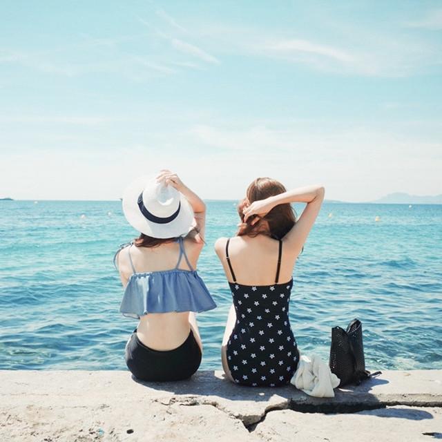 """夏を楽しむには""""水着""""が必要でしょ?"""