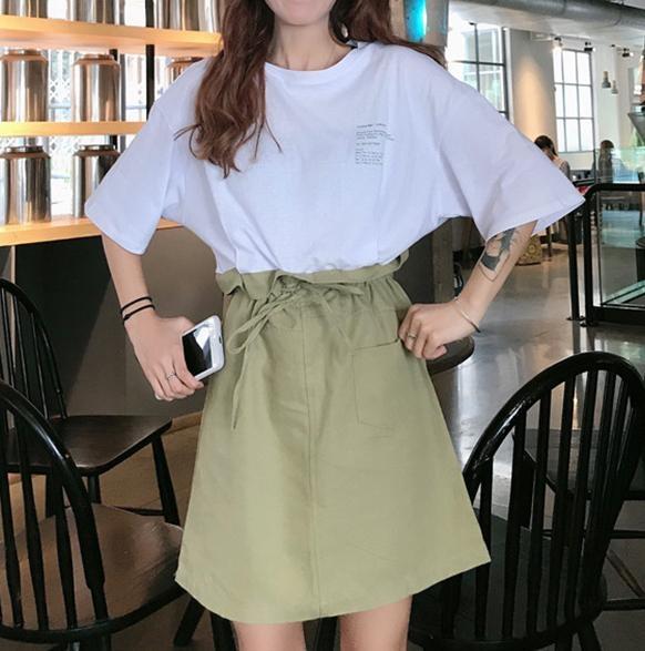 グリーンのスカートって意外と万能なのかも