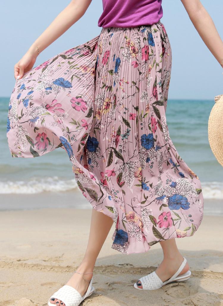花柄ロングスカート×紫系トップス