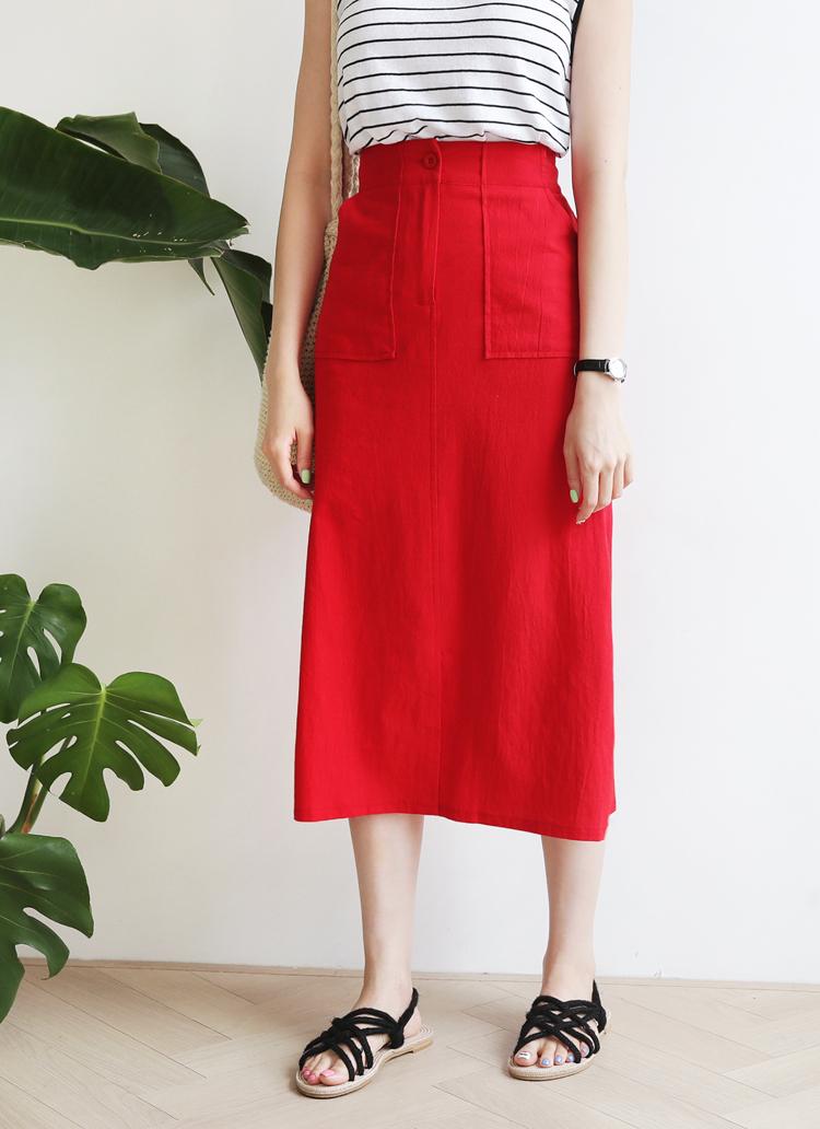 赤ロングスカート×ボーダートップス