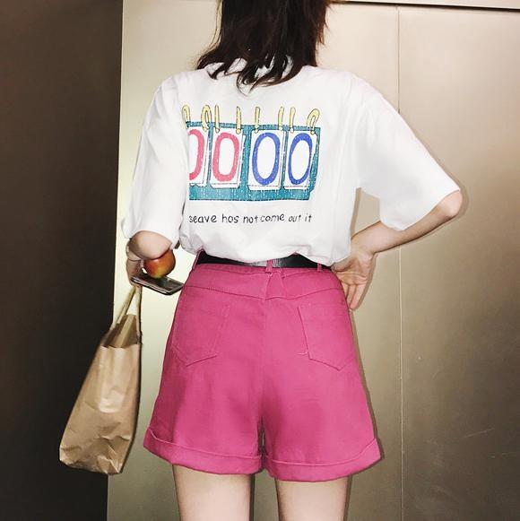 ビビッドピンクワイドパンツ×半袖ロゴTシャツ