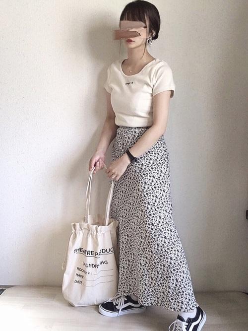 スカートなら、ロング丈が正解らしい?