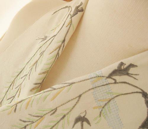 刺繍半衿で粋な雰囲気に