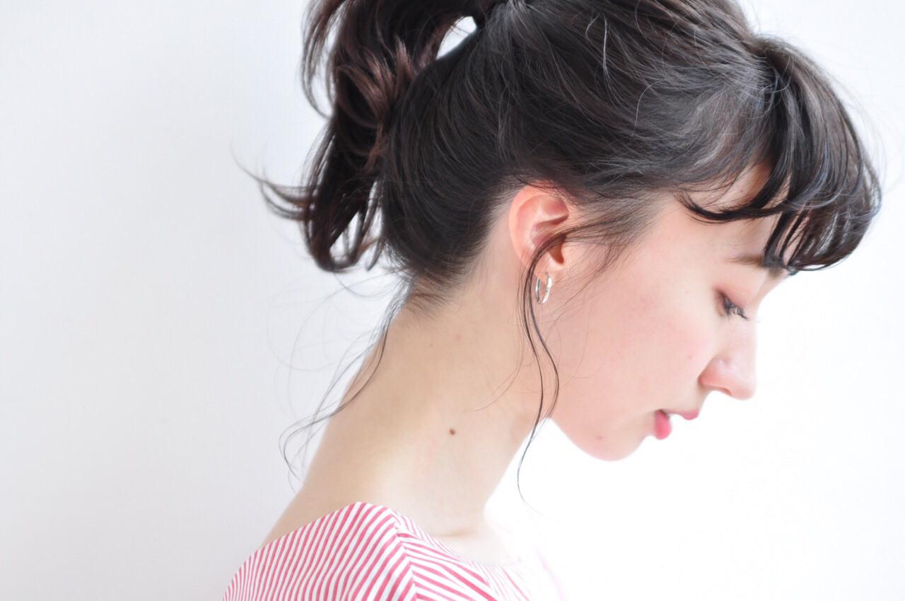 ミディアムヘアはアップスタイルで雰囲気change!忙しい朝にも簡単なアレンジカタログ