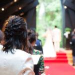 その披露宴の髪型、マナー違反じゃない?結婚式のお呼ばれにしていけるヘアアレンジ