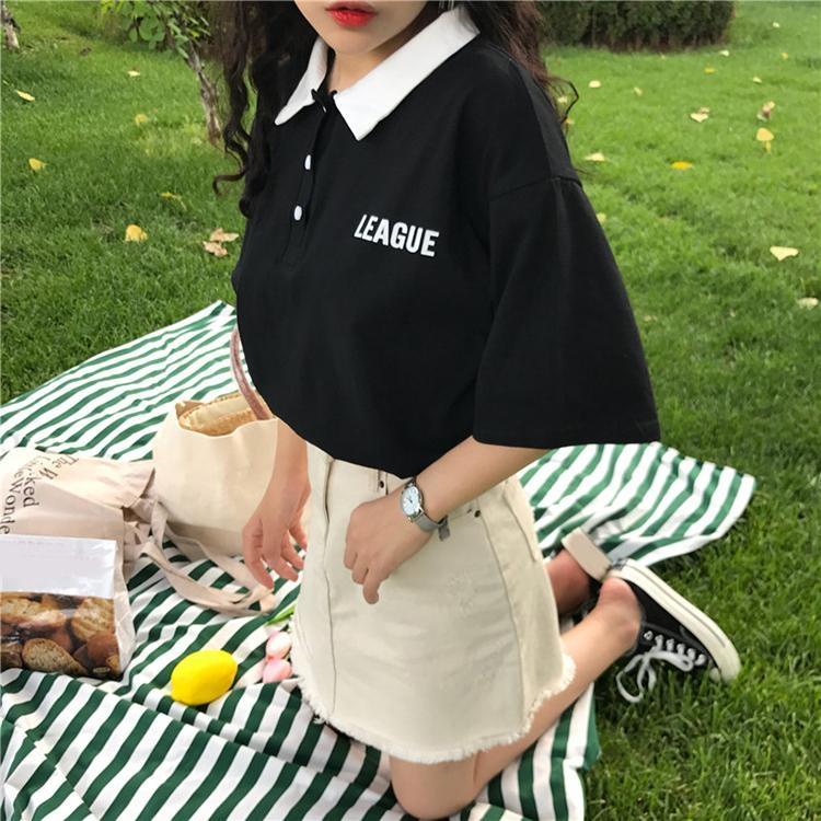 半袖ポロシャツ×白デニムミニスカート