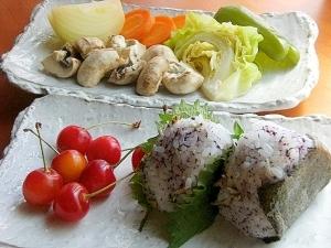 体調を整えたい❤温野菜で朝ご飯♪(おにぎり他)