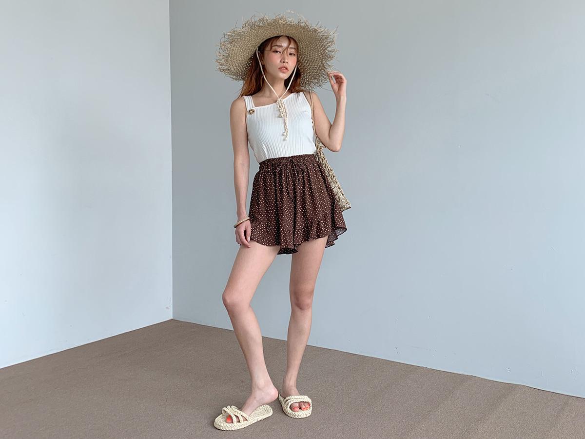 裾フリルイージーショートパンツ
