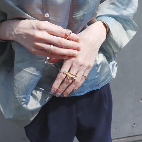 指輪が苦手な理由は人それぞれ。違和感、失くしそう、指が太いetcを解消する方法