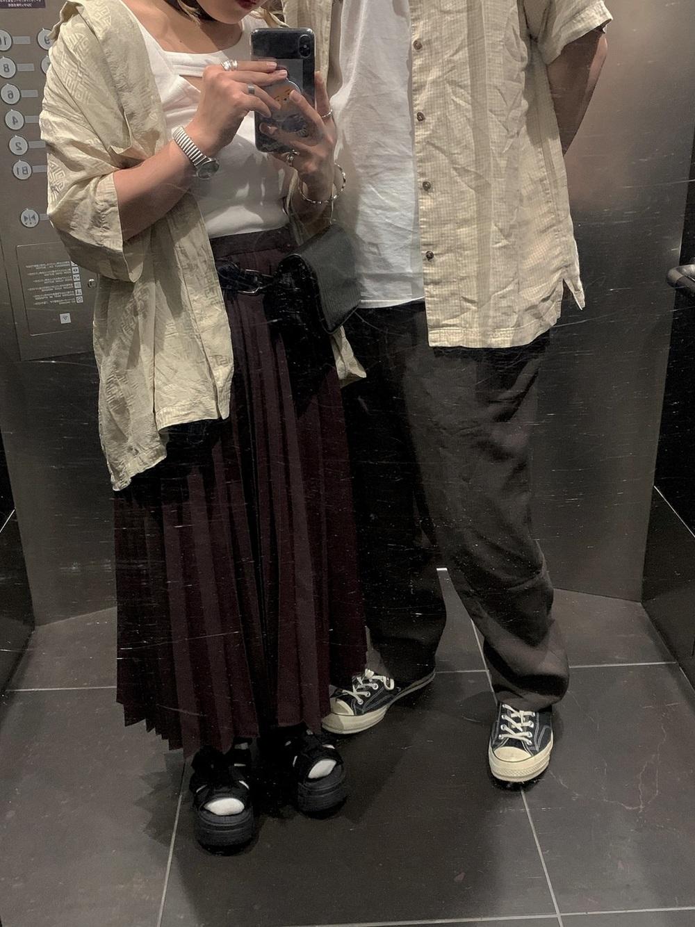 A1.シャツ×ロングスカート