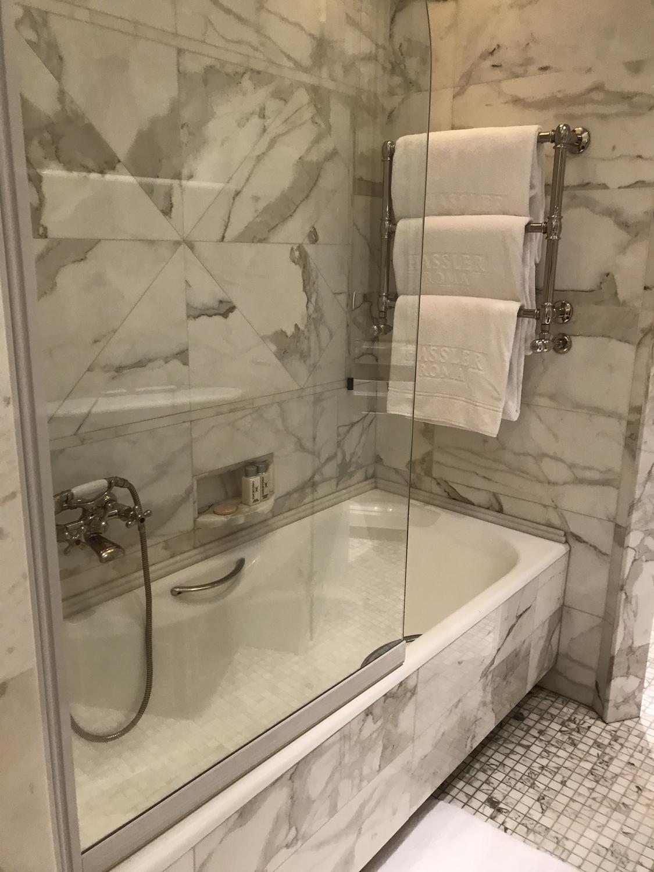 お風呂はシャワーでパパッと済ませてない?