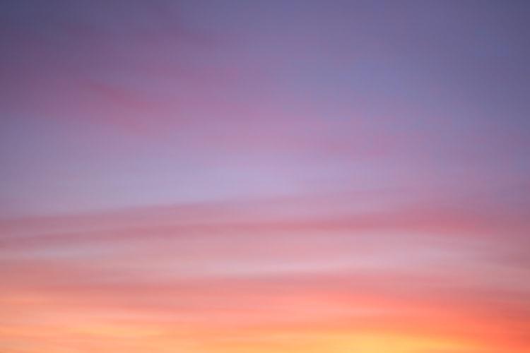 18時10分:幻想的な色に足が止まる