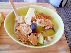 朝食に!玄米フレークとプルーン、リンゴのヨーグルト