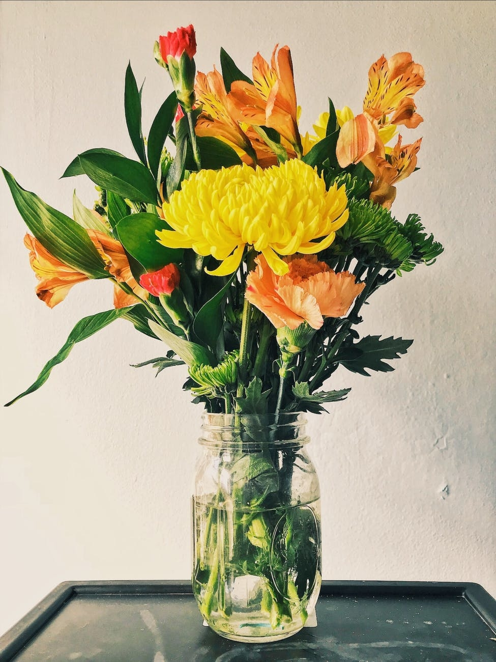 部屋にお花を飾ってみる