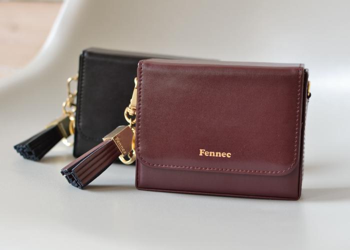 Fennec Box Wallet スクウェアタッセルチャーム付き