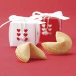 幸せを運ぶフォーチュンクッキー。食べて、見て、幸せをGETするお菓子を作ろう♡