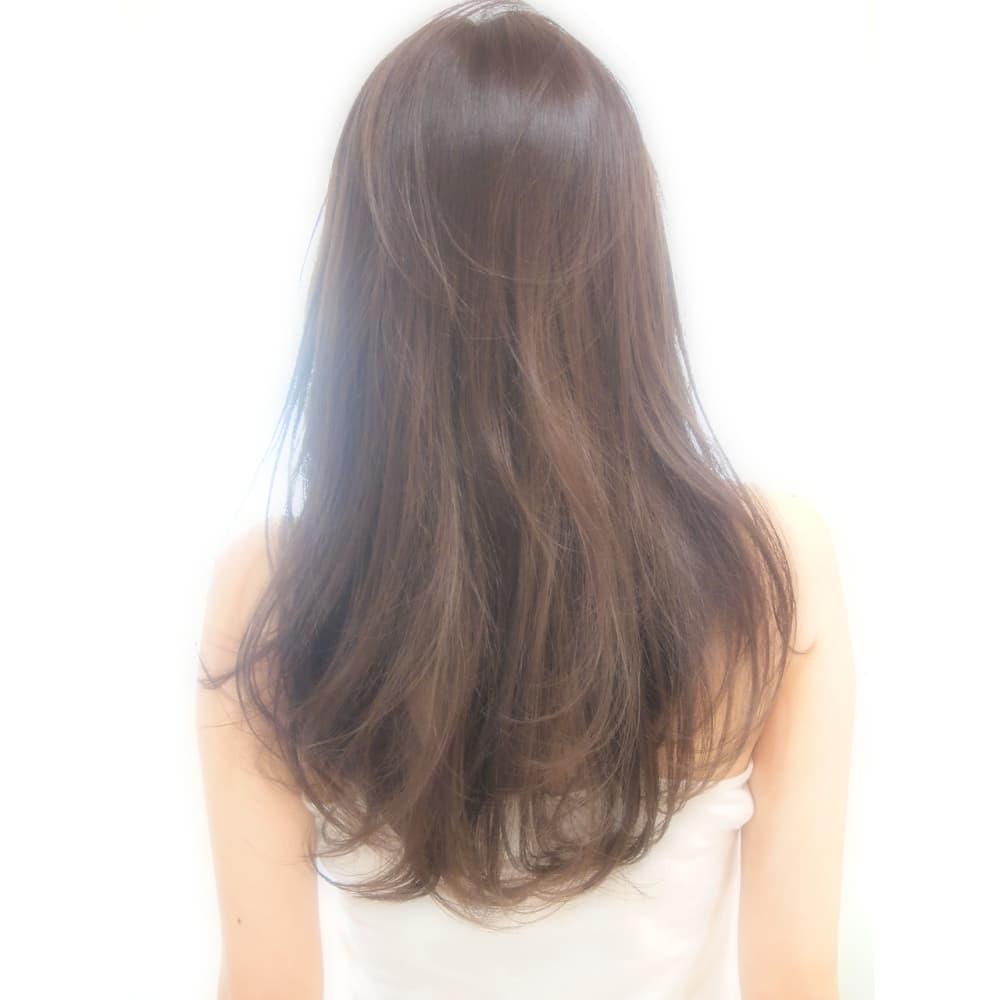 ミルクブラウンで柔らか髪に