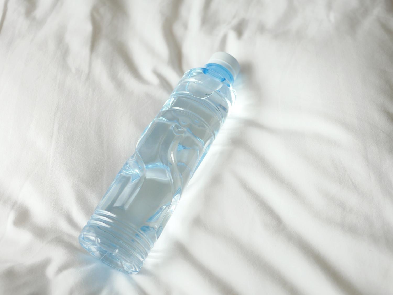 まずは水を一杯