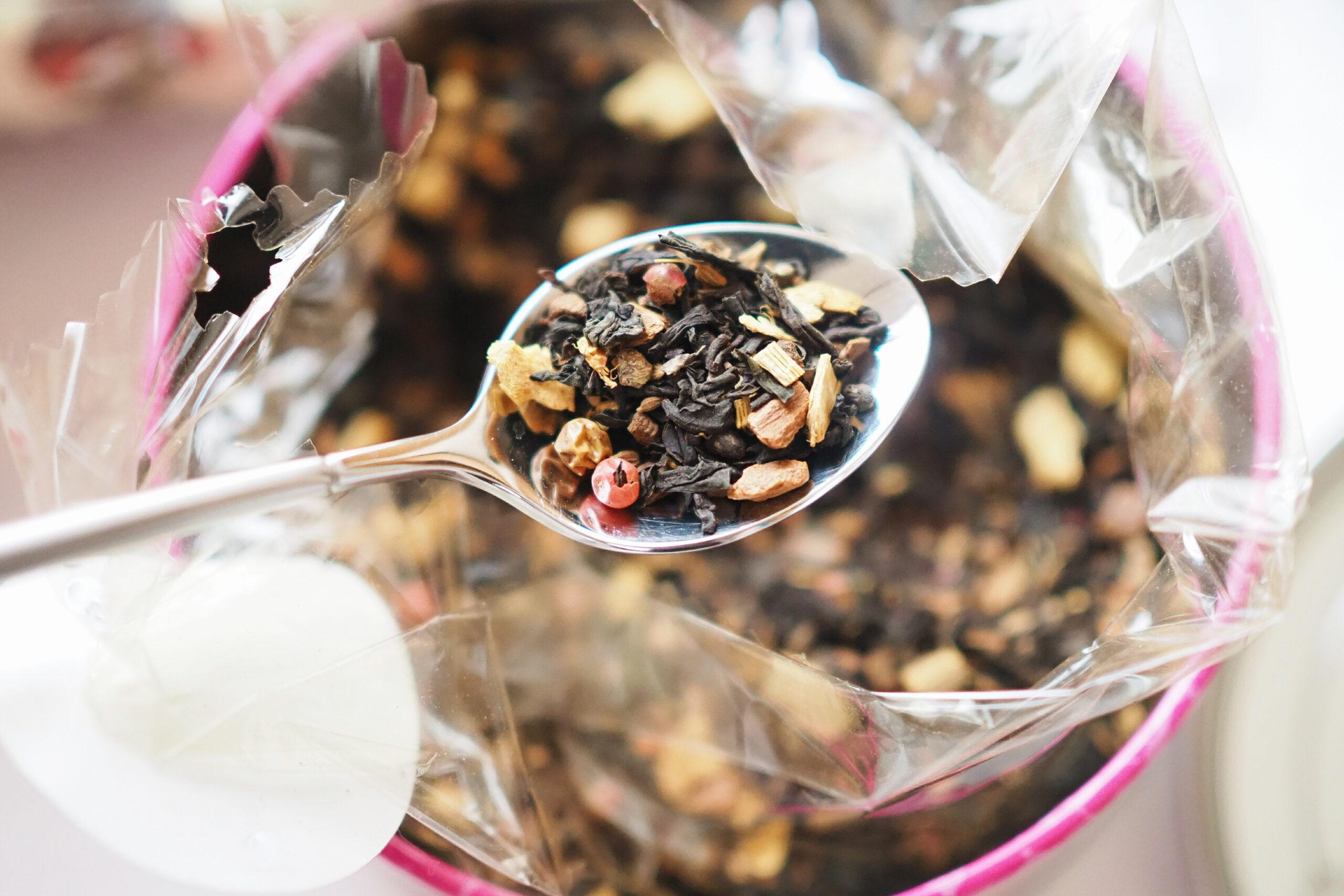 これらの茶葉を混ぜ合わせたのがブレンド