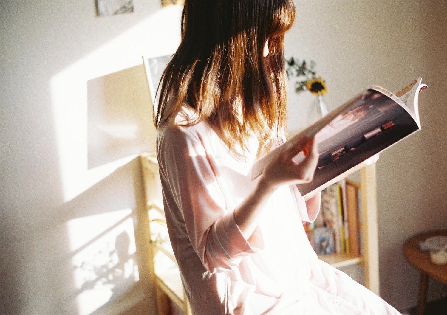 ▷お気に入りの本や雑誌と一緒に外出