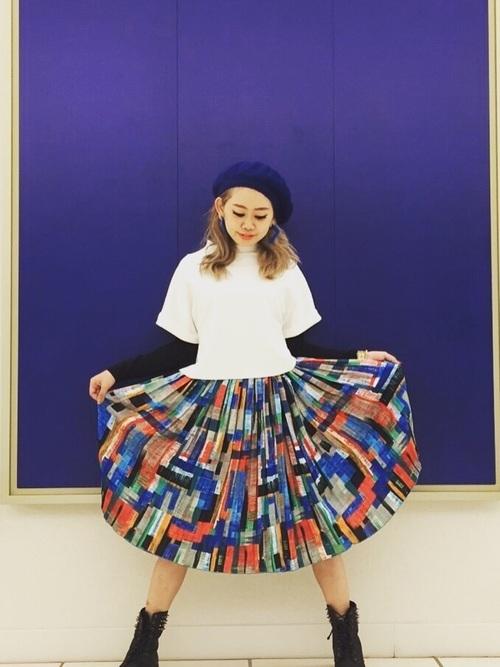 3|柄物のスカートでユニークに