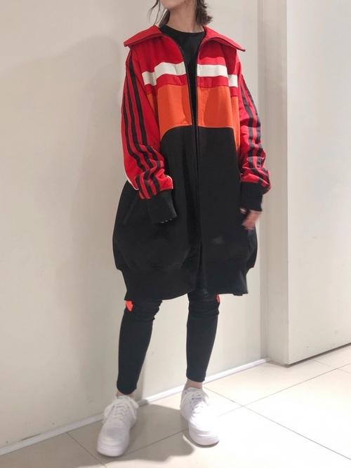 01:キッチリしすぎないラフなファッション