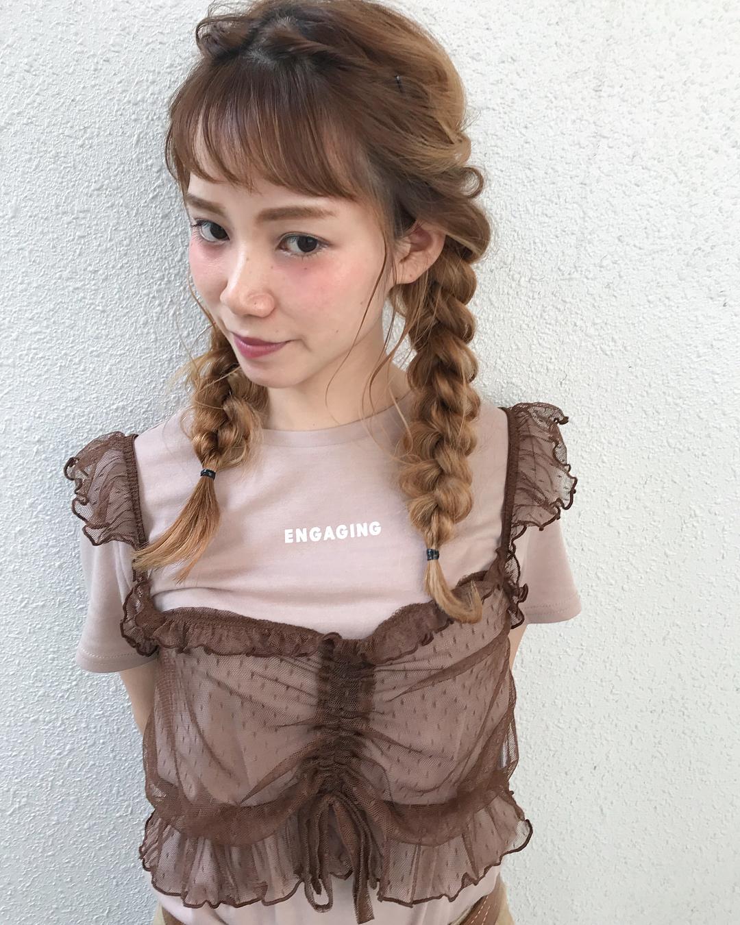 ゆるふわおさげ×ロゴTシャツ