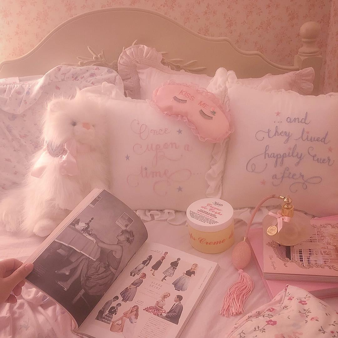 sweet sweet room...