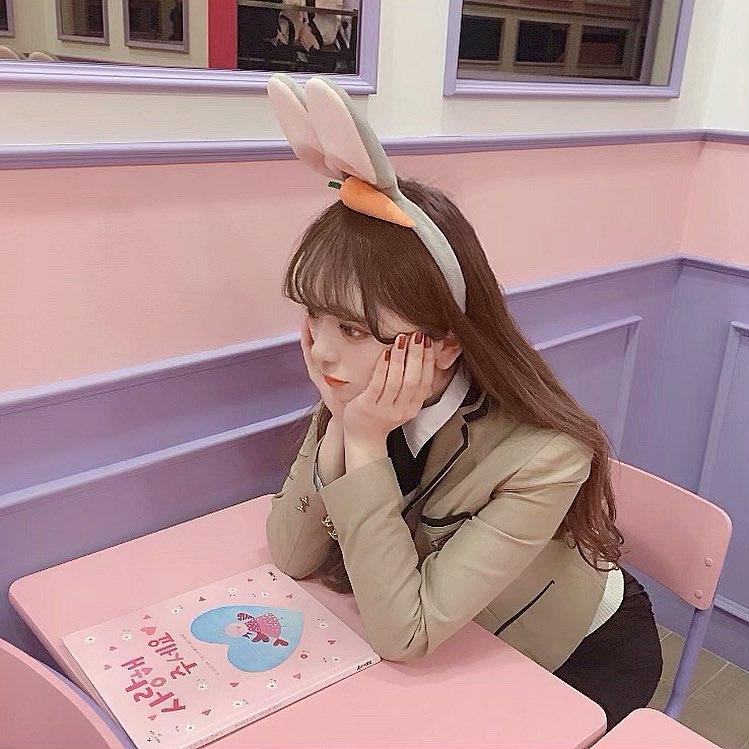 制服を着て気分は韓国のスクールガール