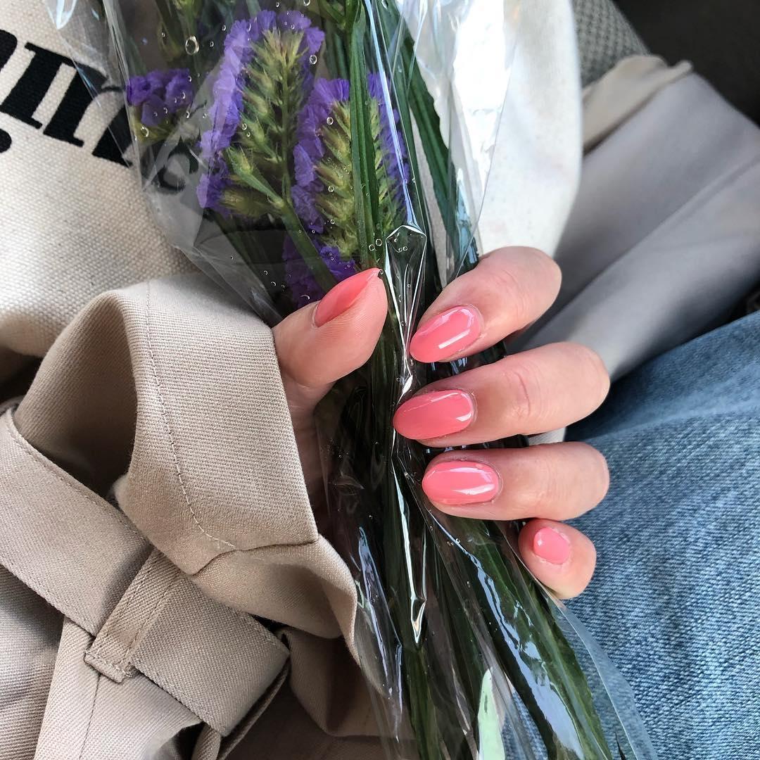 一色塗りでも一寸の妥協なし。指先が綺麗に見えるワンカラーネイルの秘密のオキテ♡
