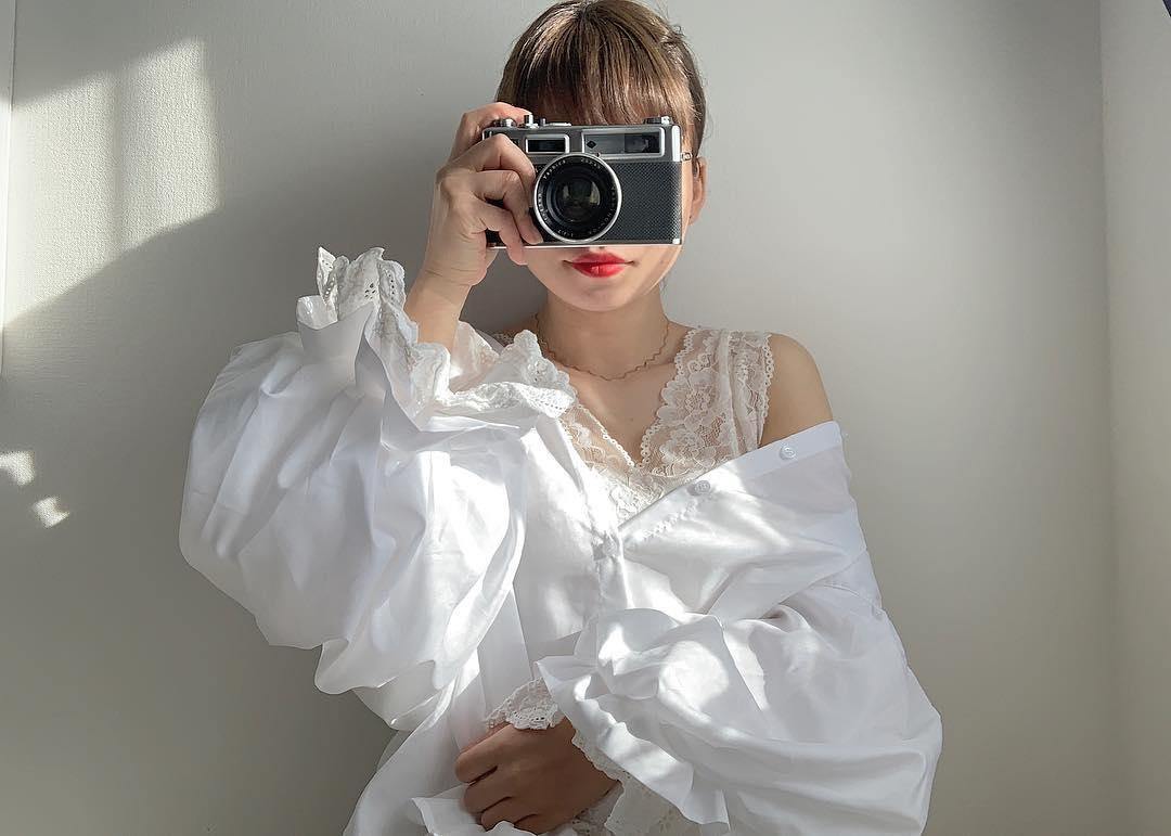 あえて影を入れるのが可愛いのでは?写真映えを目指す私×ヒカリの秘密の関係