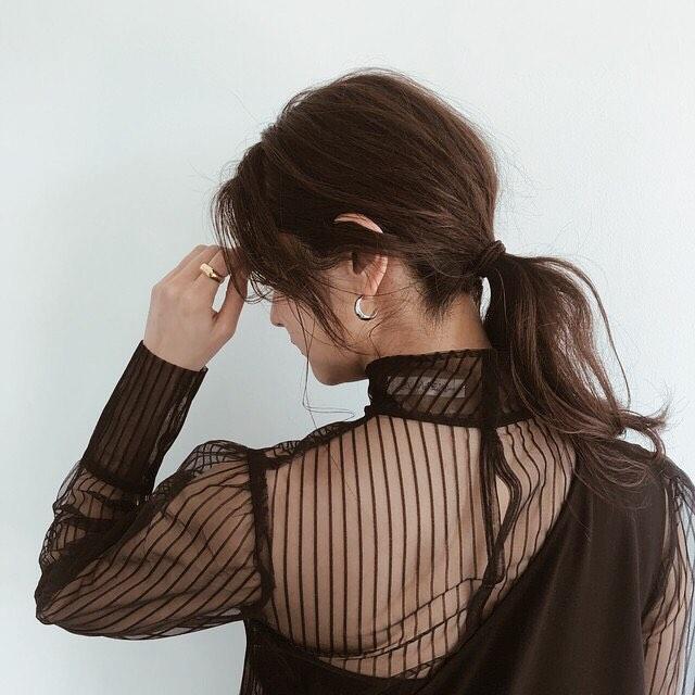 NOT FOR露出なシースルー。なしでも完成する'いつも服'に、あえて透け感プラス