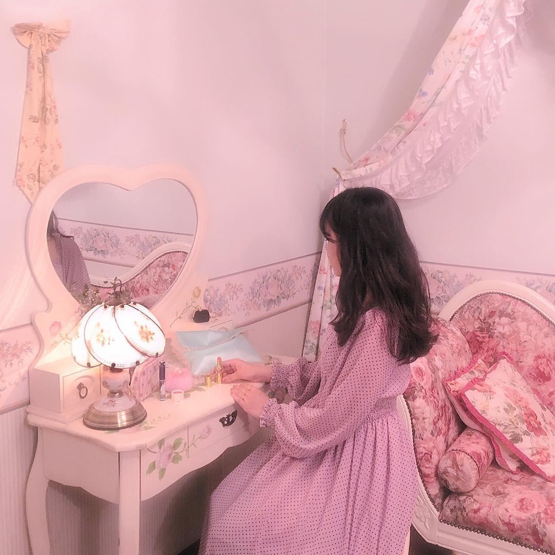 """ここは私のお城なの♡うっとりお姫様気分に浸る""""プリンセスルーム""""の作り方"""