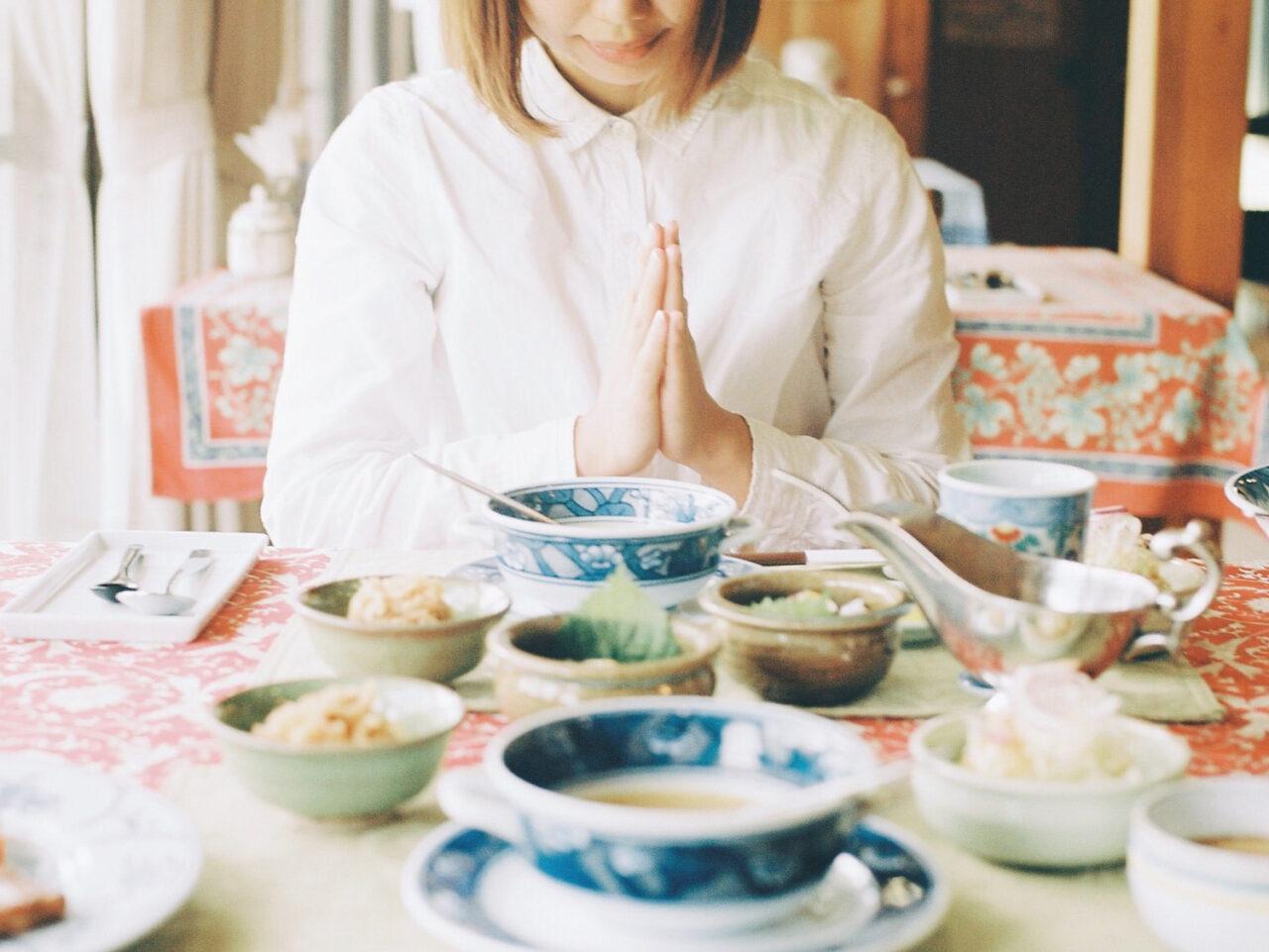 食べ方が綺麗って絶対的に好印象。全方位モテに通ずる食事のマナーをおさらい!