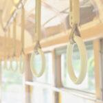 窓に映った姿にドキッ!遊びに行く前の「服ミスったな…」を防ぐ方法とその対処法