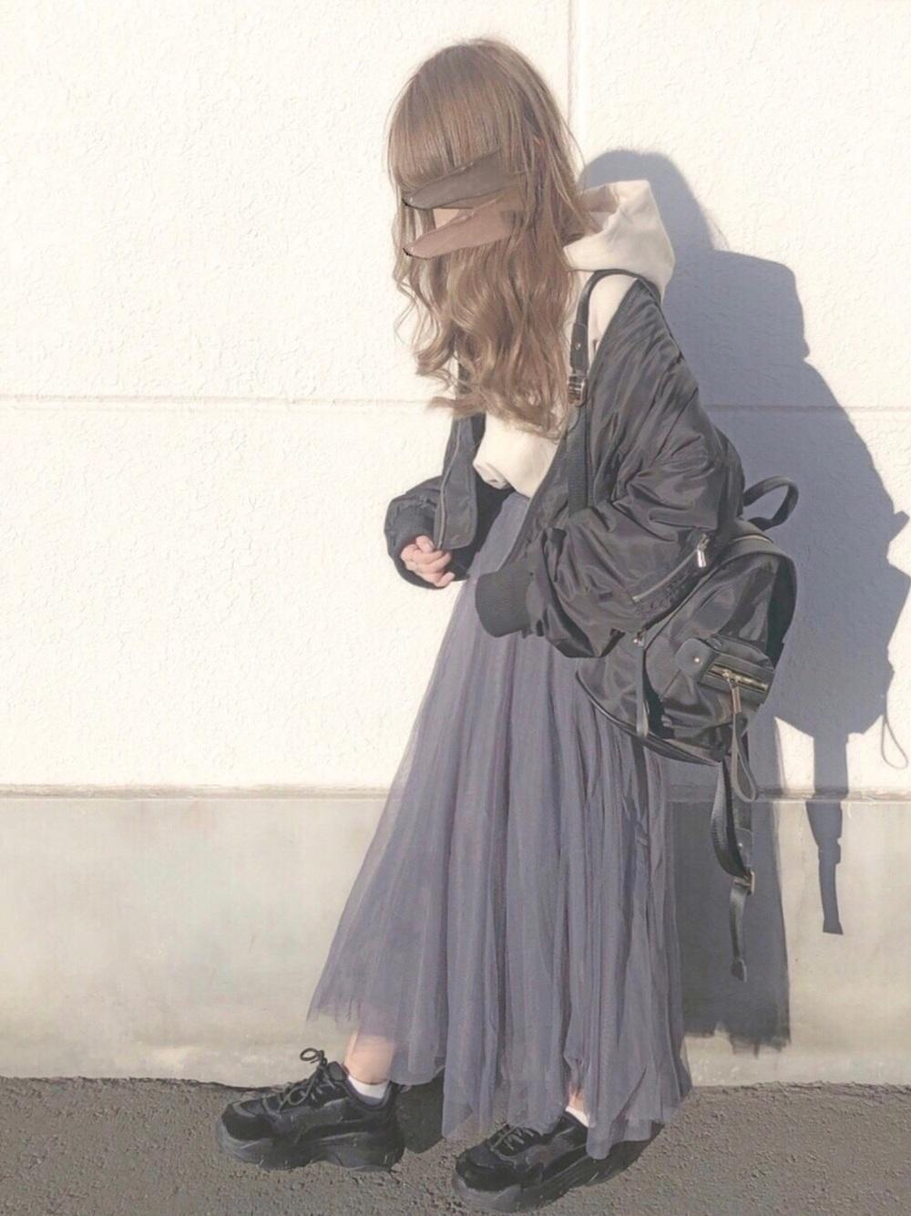 黒リュック × チュールスカート