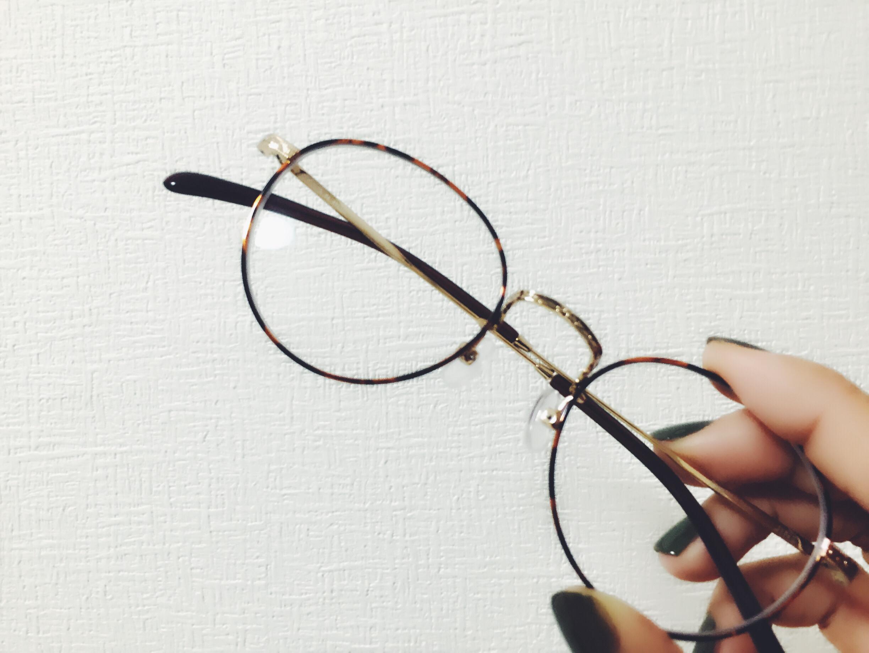 ずっとかけているメガネが嫌で