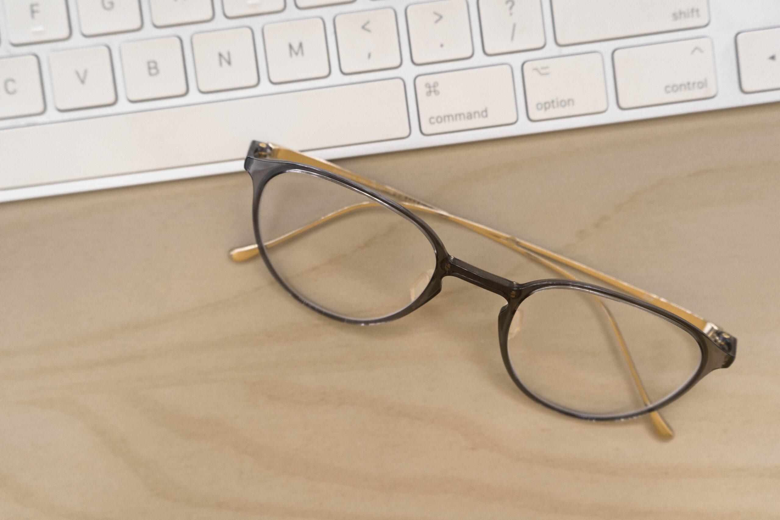 メガネのレンズが汚い