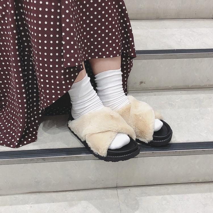 point2:たくさん歩いてもOKなペタンコ靴