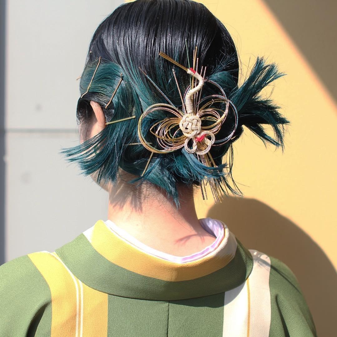 グリーンを活かして卒業式のヘアセット