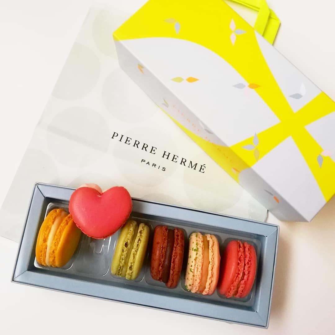 )PIERRE HERME PARIS