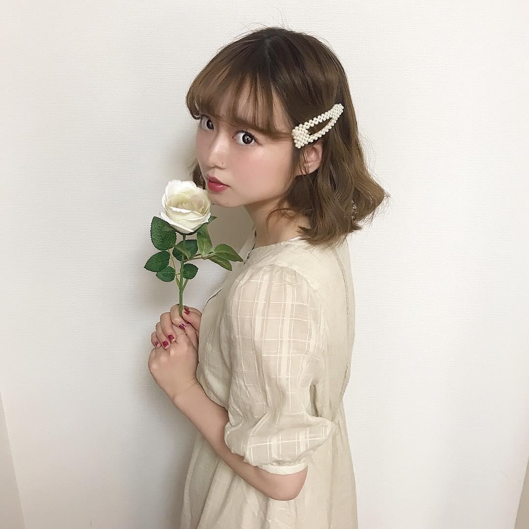 花を添えてお人形さんのように