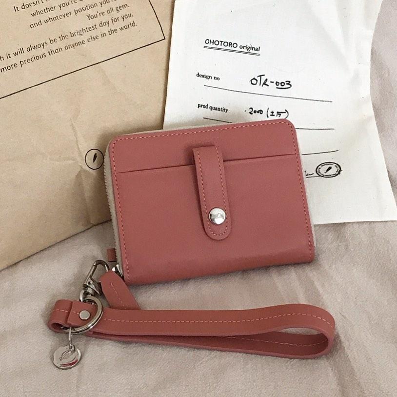 OHOTOROのミニ財布は使い勝手が◎