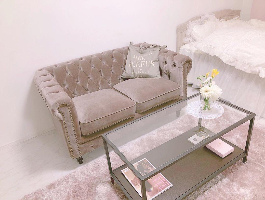 可愛いソファでじっくり恋バナ