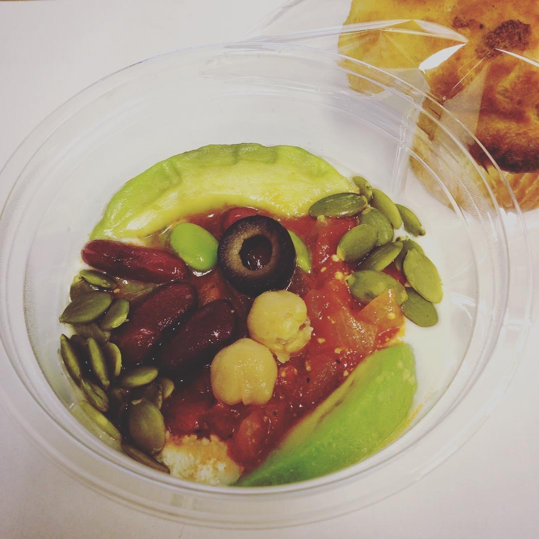 夜食を食べて太るなんて勿体ない!罪悪感ナシで食べられるヘルシーレシピ&コンビニ食