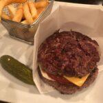 イケてる人の主食はハンバーガー。片手に持って街で歩きたくなる簡単レシピ