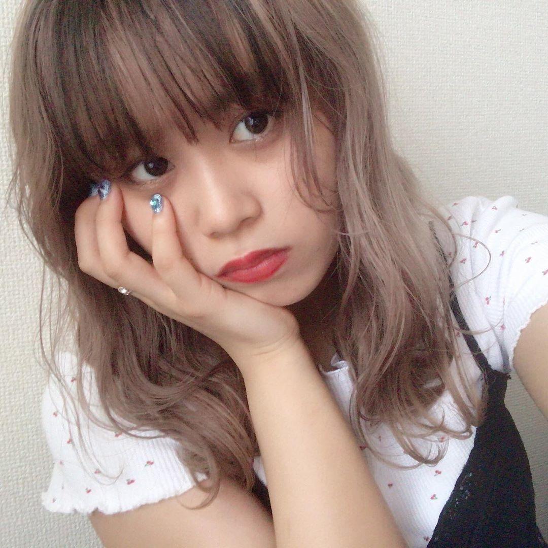 パッツンに差し込む、私の好きな色。前髪カラーで作る、ハイパー今っぽヘアの魅力♡
