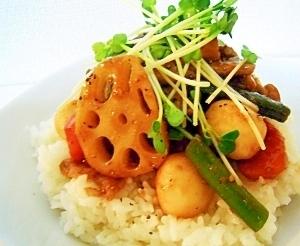 黒酢でコクうま♪豚肉と和風野菜の炒めのせご飯☆